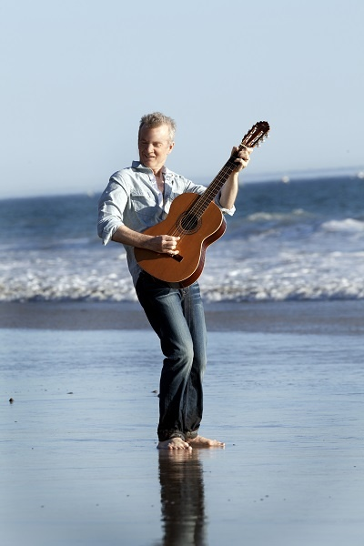 Catch smooth jazz and jazz fusion guitarist Peter White on Dinaledi Stage from 12a.m - 1.00a.m on 25/08/13. Tickets for this stage are R450. Follow this link and book NOW! www.joyofjazz.co.za/