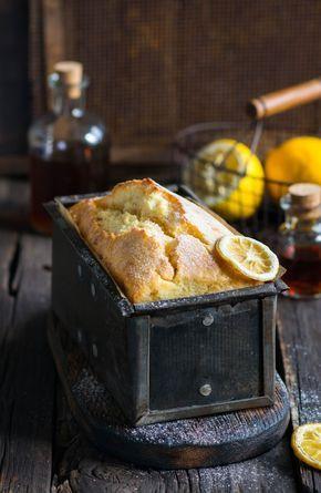 Кому рецепт лимонного кекса? Влажный, ароматный, идеален к чаю. Готовится очень просто, смешали муку с маслом, добавили яйца с молоком, ...