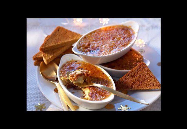A servir tout juste sortie du four avec une petite salade avec des tranches de pain d'épice toastées. Voir la recette de la crème brûlée au foie gras