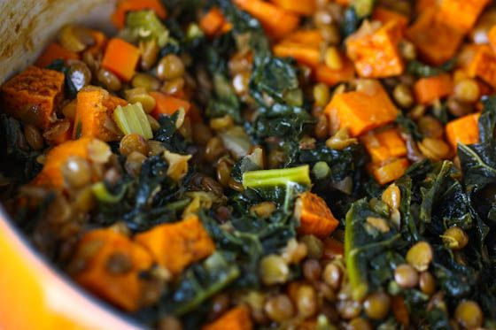 Spicy Lentils with Sweet Potatoes and Kale: Recipes Used Kale, Easy Lentils Recipes, Spicy Lentils, Easy Vegans Sweet Potatoes, Healthy Recipes With Lentils, Healthy Green Food Vegans, Potatoes And, Food Life, Lentils 5671