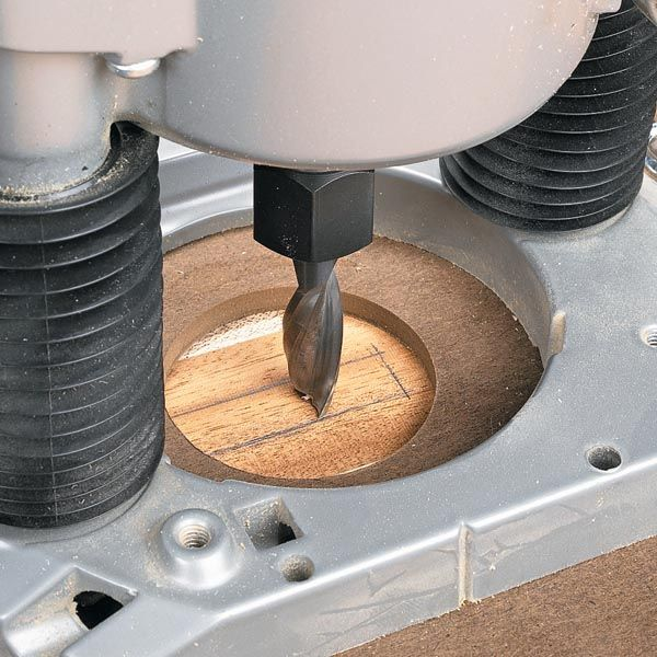 Router Jig for Perfect Mortises   Woodsmith Tips