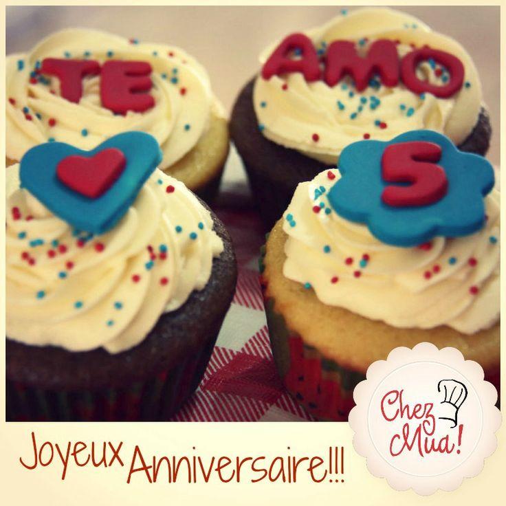 ¡Una pareja muy feliz cumplió 5 años de mucho amor y quisieron celebrarlo con nosotros!   ¡Feliz Aniversario!   #cupcakes #reposteria #patisserie #calico #Aniversario