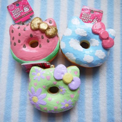 Decorated hello kitty donut squishy set