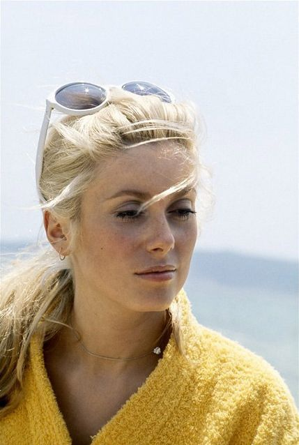 Catherine Deneuve i like offbeat rare photos of women divas beauties and obscure style goddesses i know the living ones, dead ones are tougher sometimes!