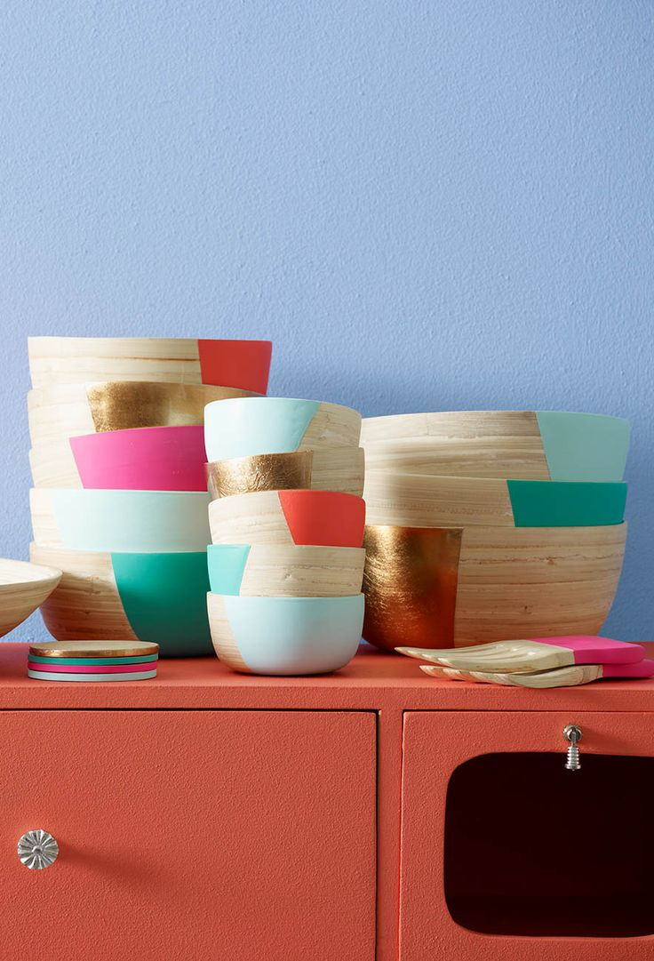 Add a splash of neon to dinner with our best-selling Bamboo Colour Pop Bowls - now available at Oliver Bonas...