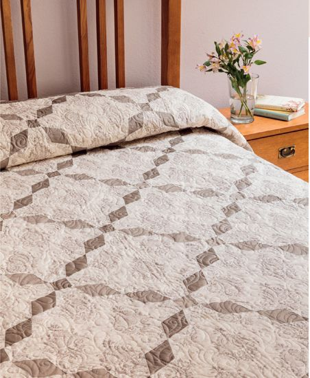 J'Adore quilt from Knockout Neutrals by Pat Wys