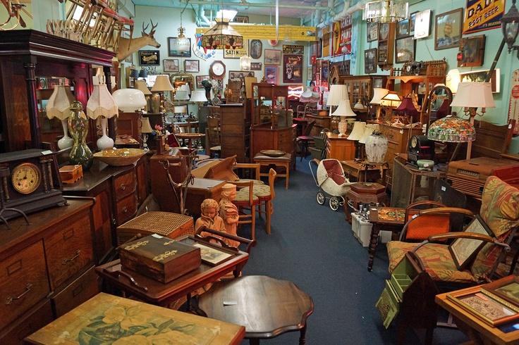 Broadways best antiques 742 broadway tacoma wa http for Furniture outlet tacoma