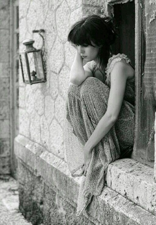 Néha a csend, megadja a szükséges választ. Néha a csend többet ér, mint a szavak. Naponta bombázzuk egymást az üzeneteinkkel, és kényszerítjük magunkat, hogy hangosabban beszéljünk, hogy halljuk a hangunkat… De néha a csend a legnyerőbb érv - mondta Lili. - Németh György – RP története