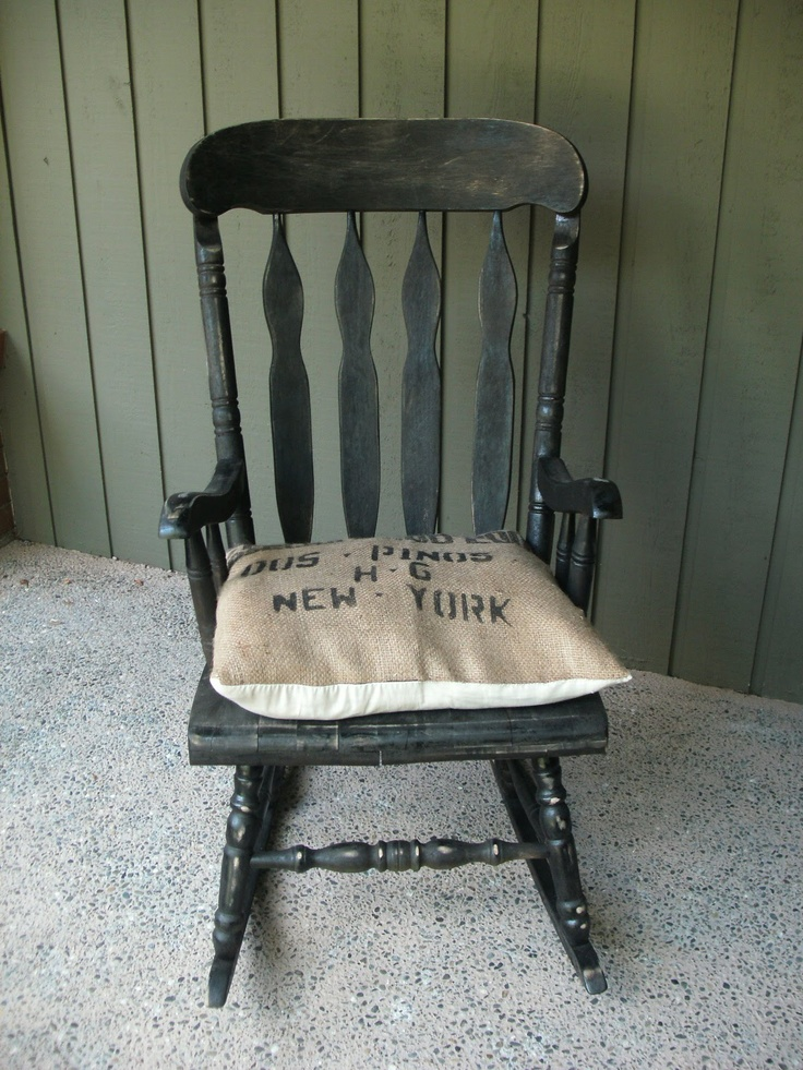 Vintage Rocker with a distressed black finish!Wooden Chairs Rocks, Vintagechair N Rocks, Trunks Painting Projects, Crafts Ideas, Vintagechairs N Rocks, Vintage Rocker Bought, Black Finish, Distressed Black, Estate Sales