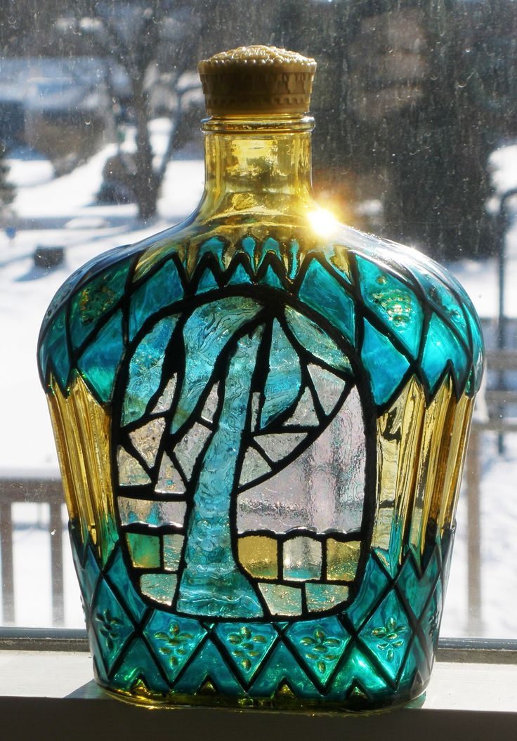 Crown bottle mosaic palm tree bottle painted with pebeo for How to paint glass bottles