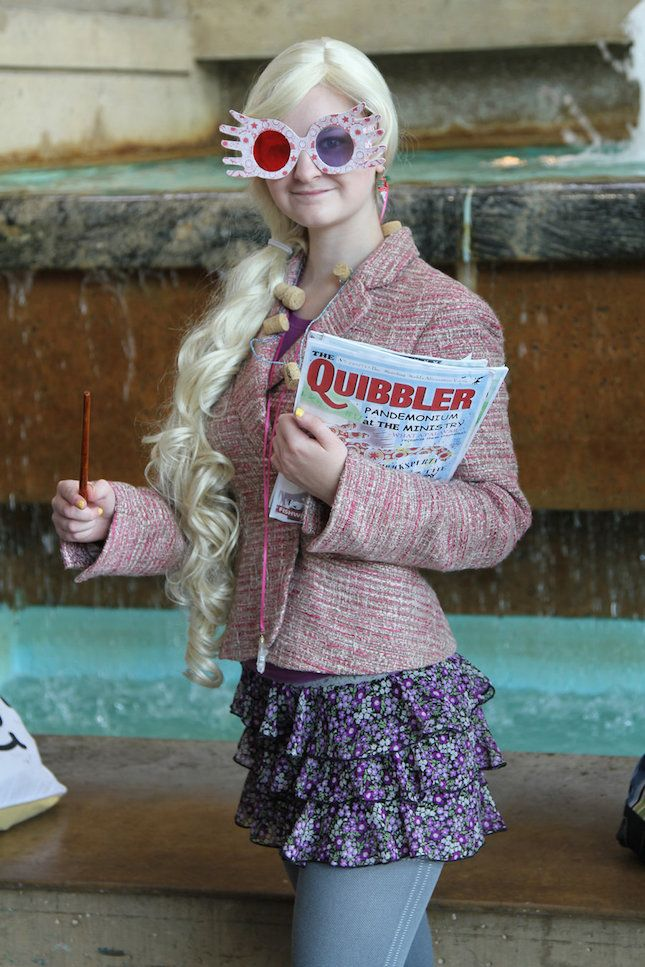 How amazing is this Luna Lovegood Halloween costume?