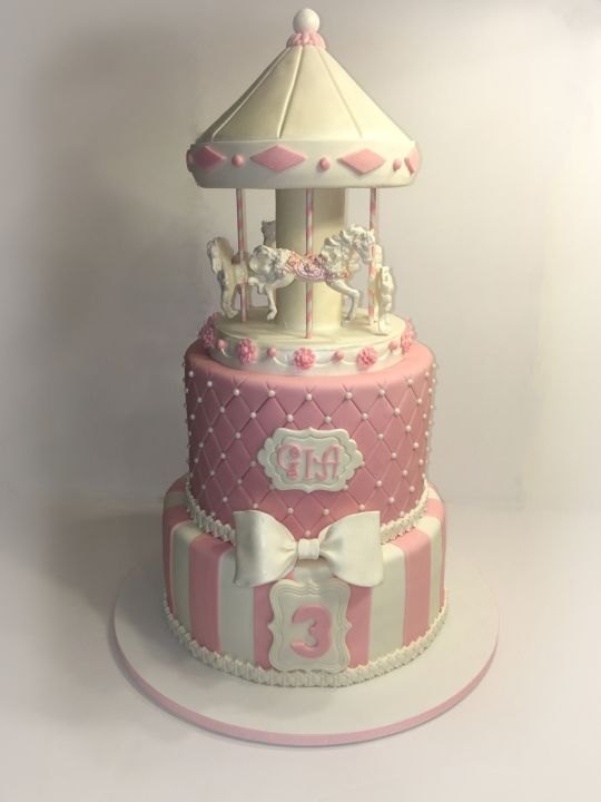 Cake Design Carousel : 17 best ideas about Carousel Cake on Pinterest Carousel party, Carousel birthday parties and ...