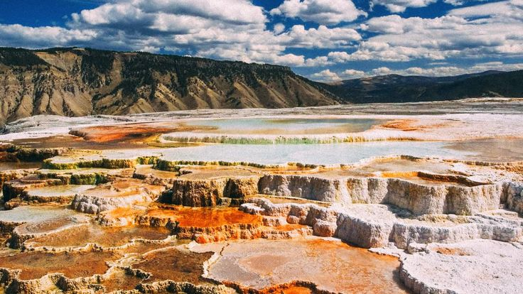 10 Dramatic Sights You Have To See In Yellowstone National Park, USA (14)