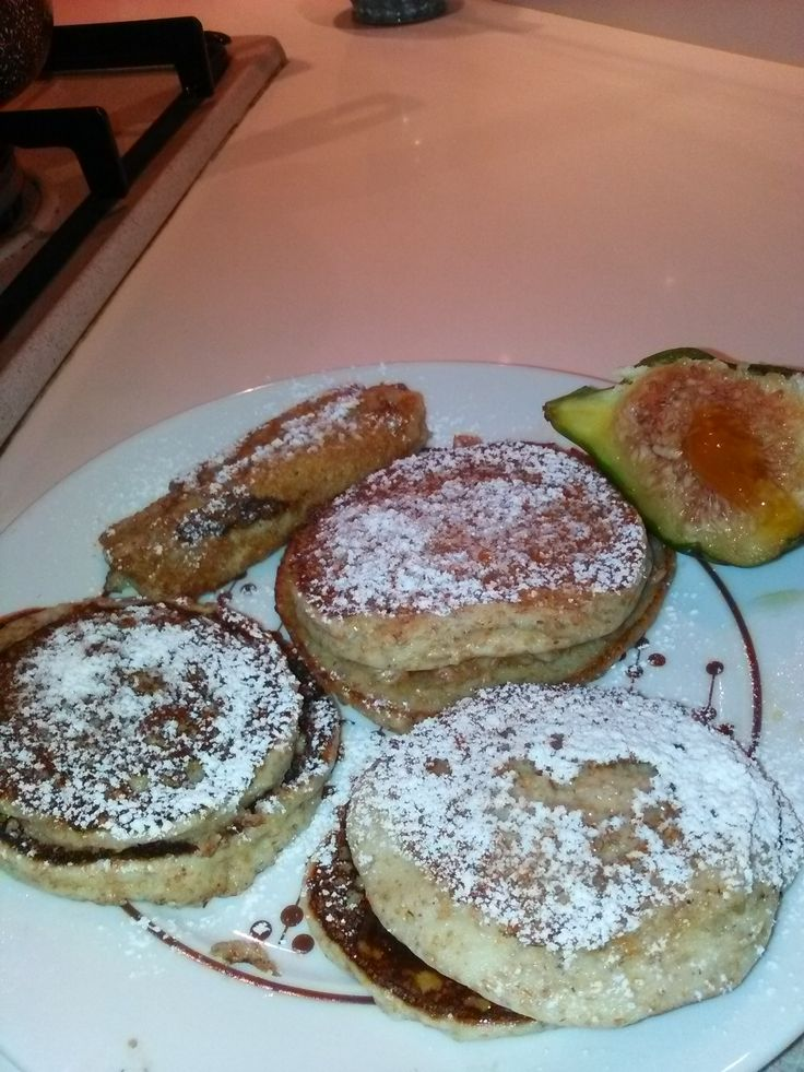 Pancakes+integrali+allo+yogurt+di+cocco+farciti+home-made
