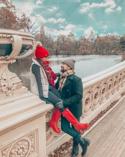 Central Park, Couple Goals, Winter in New York, Red Hunter boots, Winter Fashion, Christmas Card Photoshoot, Red Beanie, Plaid Skirt, Hunter Boots  li…