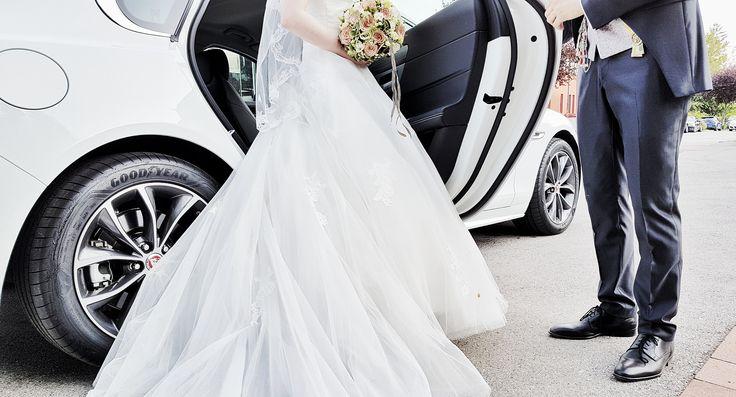 Getreu diesem Motto sucht man für die Hochzeitswege bzw. die Fahrten danach eine Limousine, stilvoll und elegant. In diesem Sinne habe ich für die Hochzeit, der ich hier bewohnen durfte, eine Limousine organisiert und gleichzeitig auch den Chauffeur gespielt. Ich…