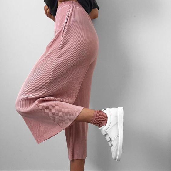 "Alicia Roddy på Instagram: ""pink pleats"":"