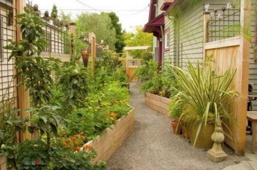 Tucked-in Raised Kitchen Garden | jardin potager | bauerngarten