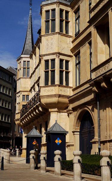 Palais du Grand-Duc du Luxembourg                              …