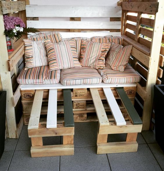 die 25 besten ideen zu strandkorb aus paletten auf. Black Bedroom Furniture Sets. Home Design Ideas