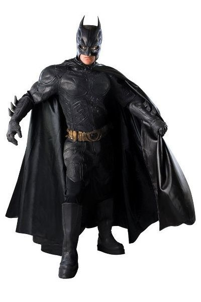 Batman Collector's Edition. Batman Collector's Edition- asu on upea kokonaisuus Batman Dark Knight-elokuvasta. Tuote ei ole varastotuote, joten ota yhteyttä sähköpostitse halutessasi puvun. Toimitusaika noin 30 vrk. Sisältää: - Paidan - Housut - Satiiniviitan - Sekä kiinteät osat, hanskat, vyön, pääosan ja kengänpäälliset