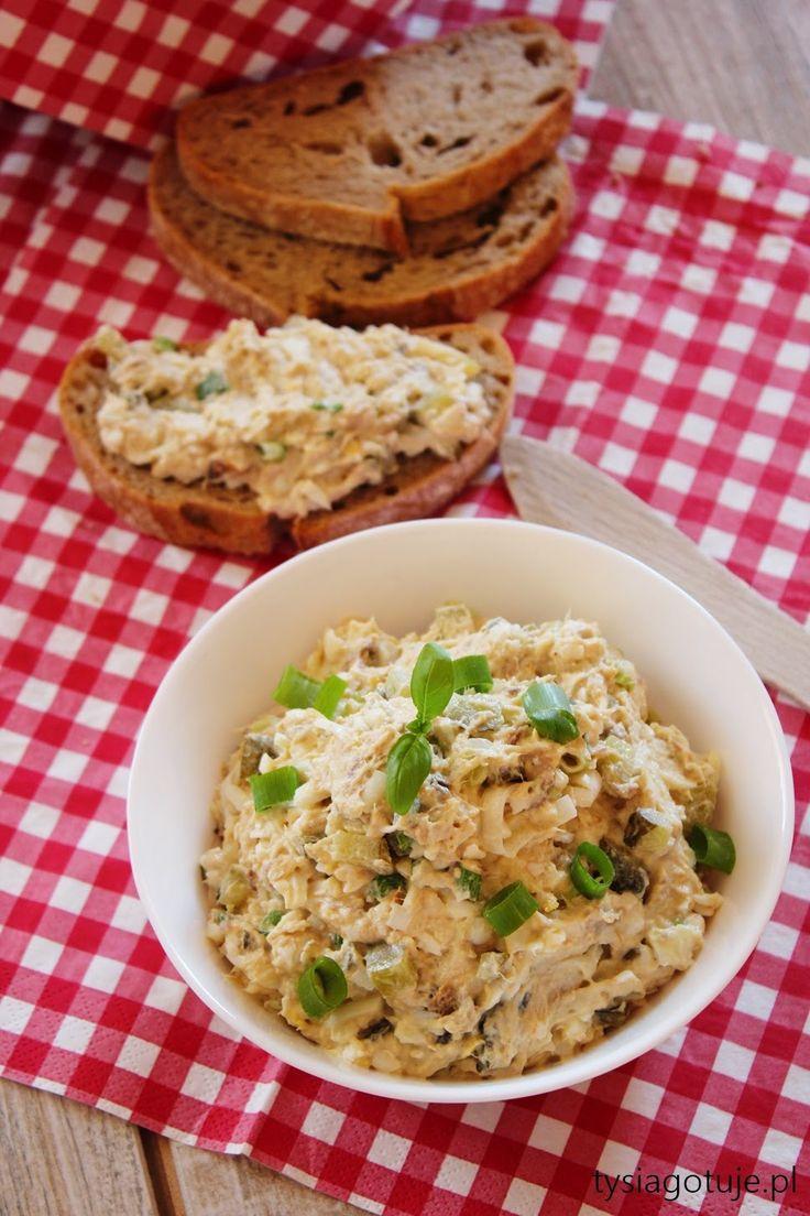 Tysia Gotuje: Pasta jajeczna z wędzoną makrelą i ogórkiem kiszonym