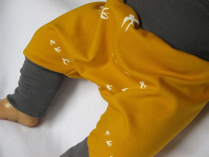 Pumphosen - Pumphose Gr. 74/80,  gelb mit Schwalben - ein Designerstück von Naehsthekchen bei DaWanda