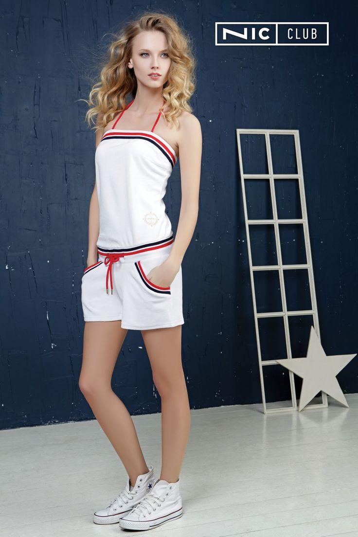 Комбинезон из круизной коллекции Del Mar («Дель Мар») выполнен из нежного велюра. Модель идеально подходит для активного отдыха — пляжного волейбола, бега по магазинам за летними аксессуарами, прогулок с собакой по утрам. Легкие шортики с карманами соединены с топом широким поясом.   #nicclub #romper #casual #white #style #homewear
