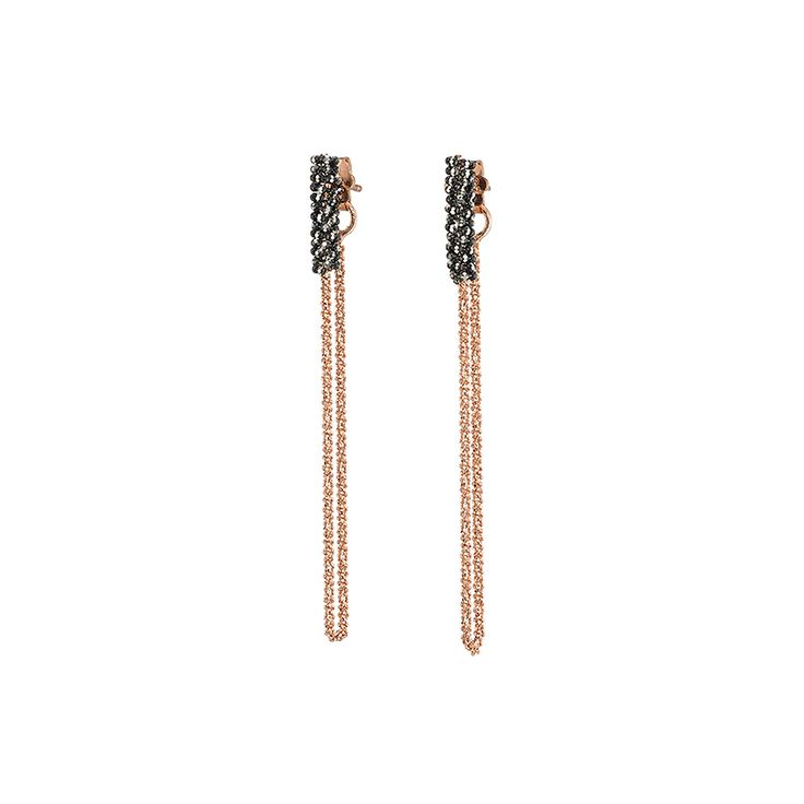 Σκουλαρίκια OXETTE, θα σας χαρίσουν φυσική λάμψη και ένα σκοτεινό, ροκ στυλ. Μπορούν να φορεθούν είτε ως ζευγάρι είτε μεμονωμένα.