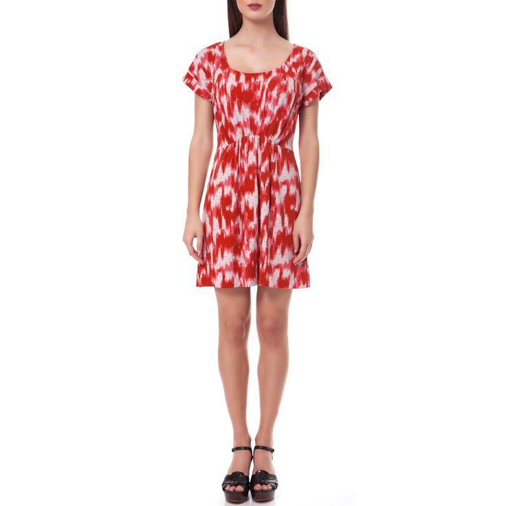 Μίνι φόρεμα με κοντά μανίκια στις αποχρώσεις του κόκκινου και του λευκού με σχέδια κατά μήκος του. Προσθέστε μία μαύρη λεπτη ζώνη για να αναδείξετε το σώμα σας!