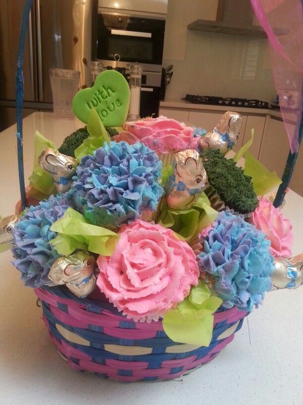 Easter bouquet of cupcakes
