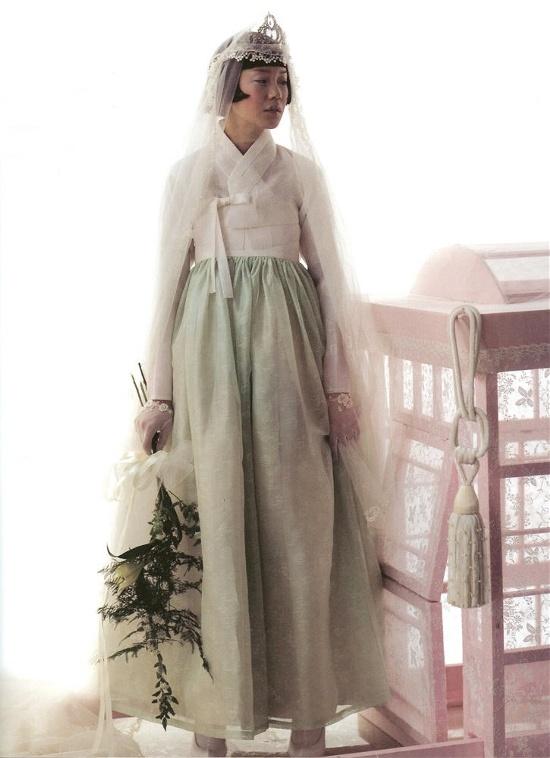 Wedding dress based on hanbok