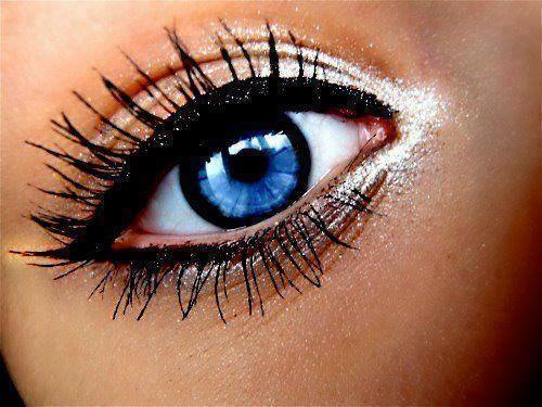 <3: Eyeliner, Eye Makeup, Cat Eye, Bright Eye, Eye Colors, Blue Eye, Eyemakeup, Eye Liner, Green Eye