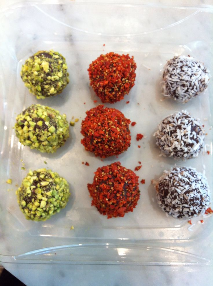 Cacao Truffles (rolled in pistachios, goji and coconuts)