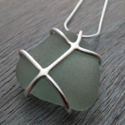 I was recently commissioned by friends to make some sea glass jewellery - here are the results.