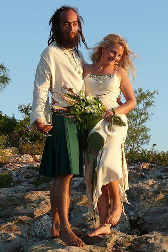Emma & Jon's sandy, handfasting, Celtic wedding celebration   Offbeat Bride