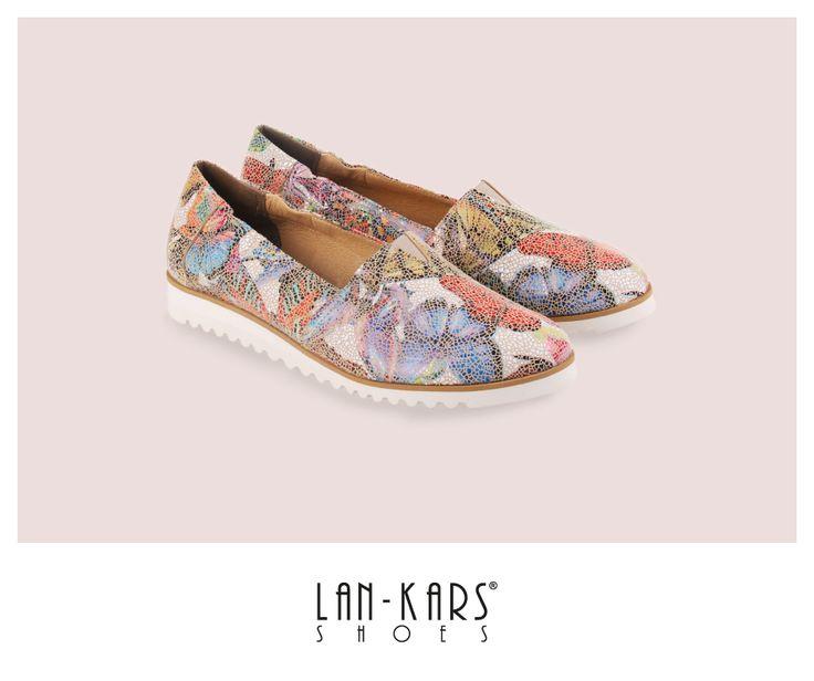 Półbuty w motyle  #shoes #butterfly #pattern #print #leather #design #fashion #style