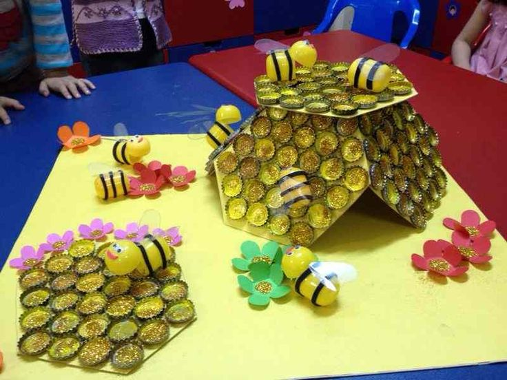 This page has a lot of free and easy bottle cap craft idea for kids