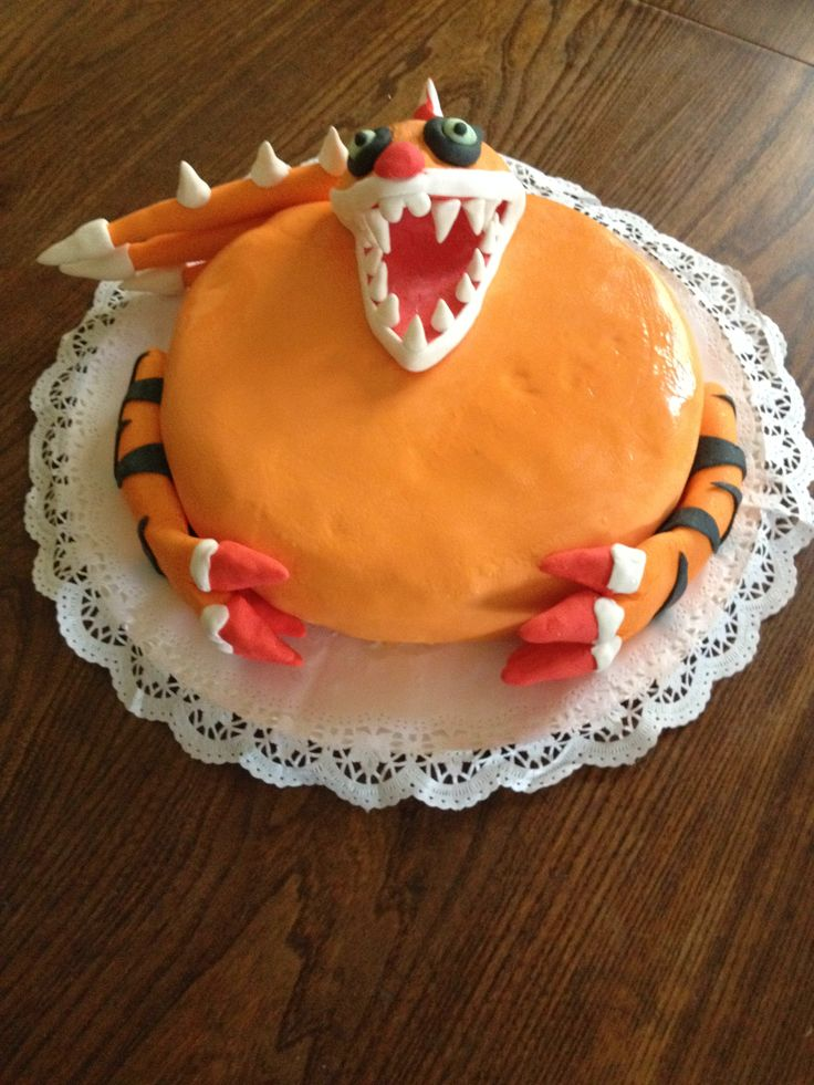 Torta invizimals con fondant y pastillaje Oct. 2015