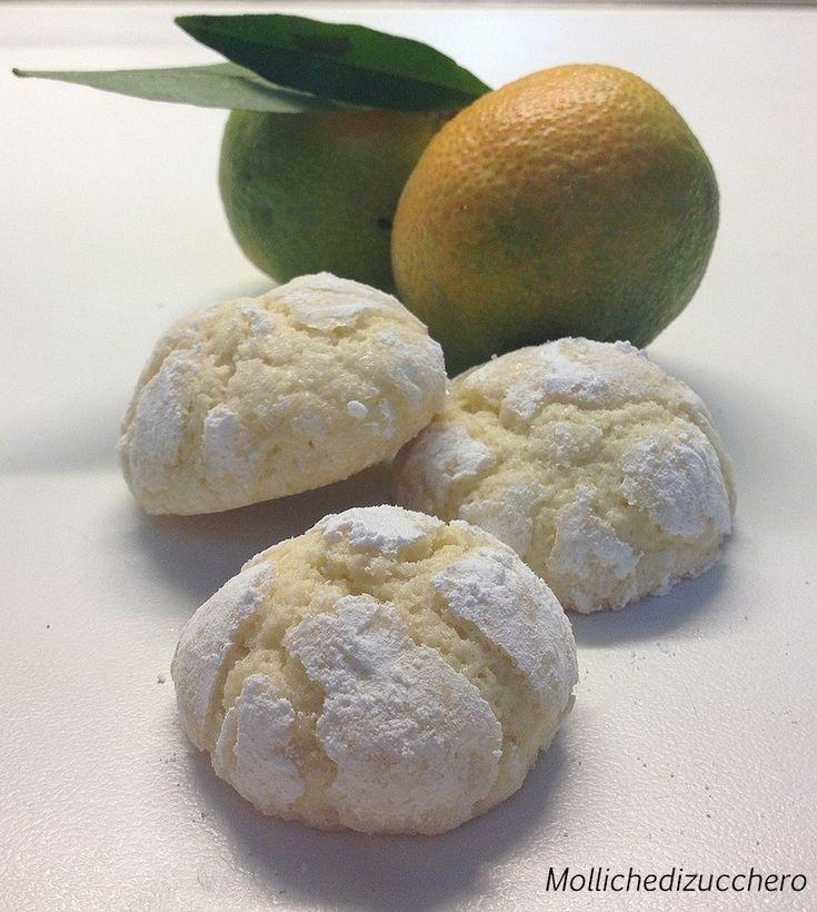 Questi pasticcini all'arancia hanno spopolato: sono semplicissimi da fare, veloci da preparare e porteranno un fantastico profumo in tutta la vostra casa :)