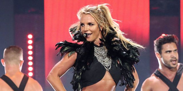 7 Things Britney Spears Did To Get The Body She Has Now - Cosmopolitan.com