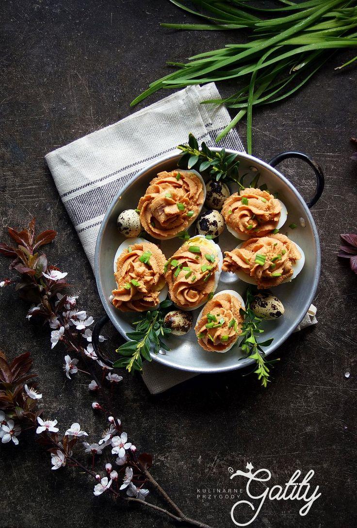 Kulinarne przygody Gatity - przepisy pełne smaku: Jajka faszerowane pastą z makreli z dodatkiem olej...