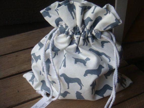 DOGS = uk designer cotton fabric draw string wash bag . �14