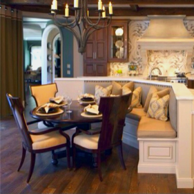 Kitchen table with booth! would love to do this in the kitchen...need ...