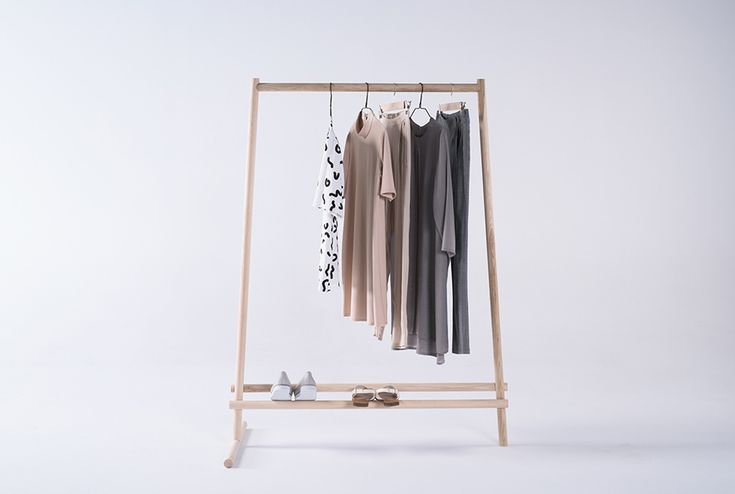 Dashes: cloth rack - marta morawska-omalecka
