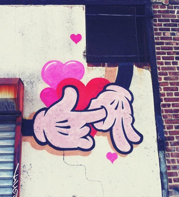 Street Art du jour – Mickey is so horny…