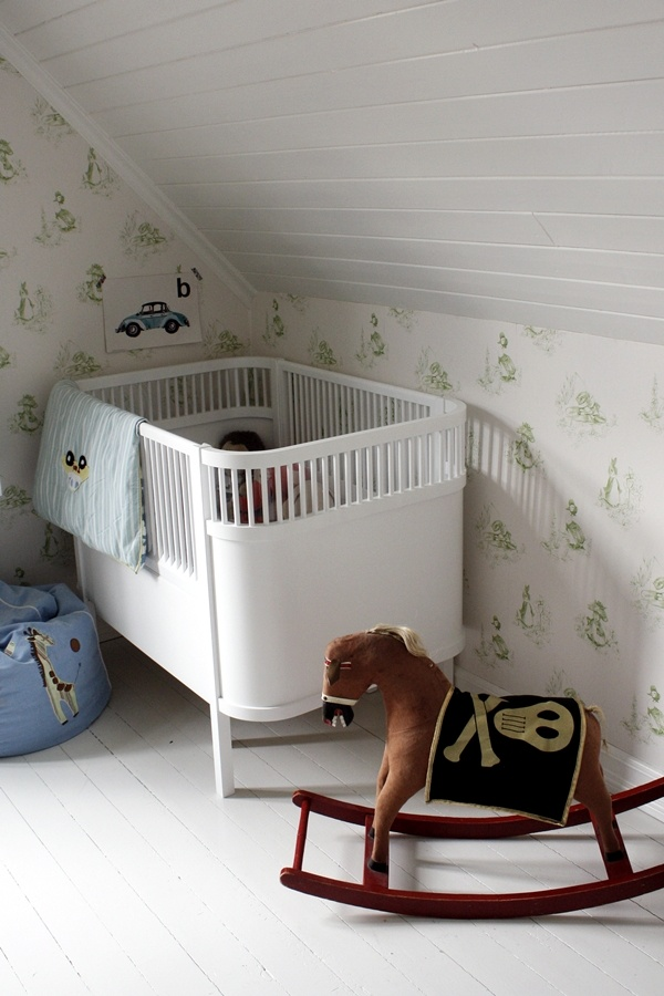 17 Best images about Nursery-Green Small Space on Pinterest Green ...