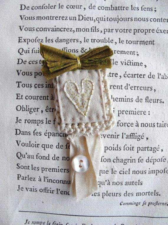 Embroidered brooch fabric jewelry embroidered by giovabrusa