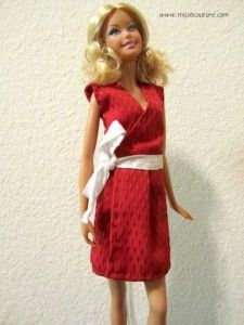 Robe portefeuille rouge pour Barbie | Miss B. Couture