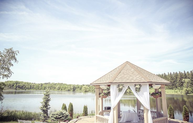 Royal Ambassador Outdoor Wedding Photography in Gazebo | Vintage style wedding photography | www.newvintagemedia.ca